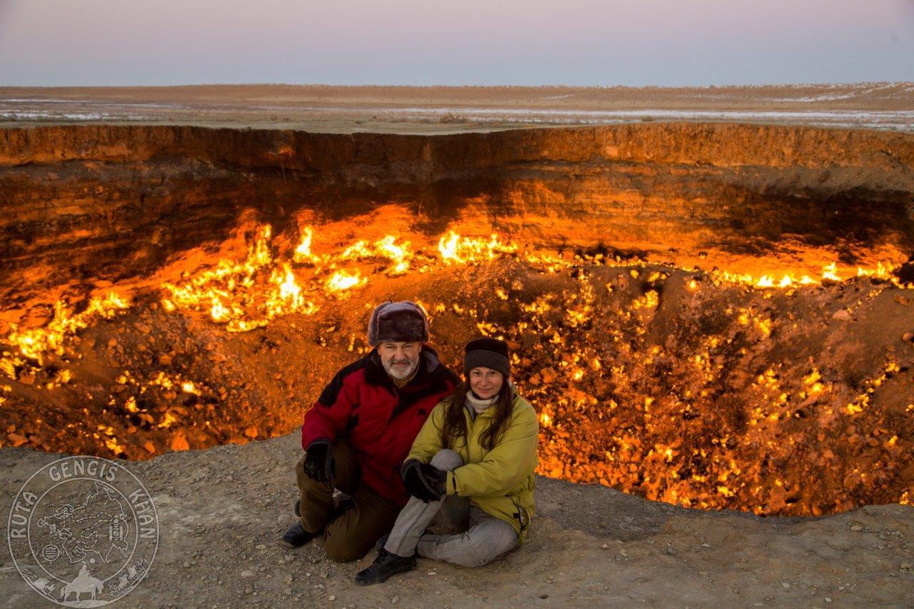 http://www.ruta-imperios.com/images_contenidos/Image/gengis_khan/CR-35-Turkmenistan_1-Karakum/cr_035-001_Portada.jpg
