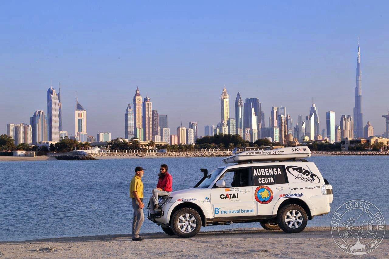 http://www.ruta-imperios.com/images_contenidos/Image/gengis_khan/CR-40-Emiratos/cr_040-001_Portada.jpg