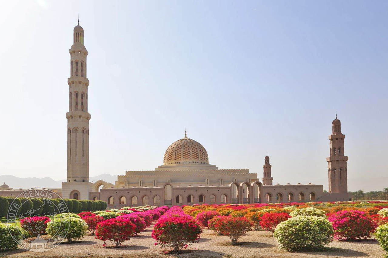 http://www.ruta-imperios.com/images_contenidos/Image/gengis_khan/CR-42-Oman_2-Muscat/cr_041-001_Portada.jpg